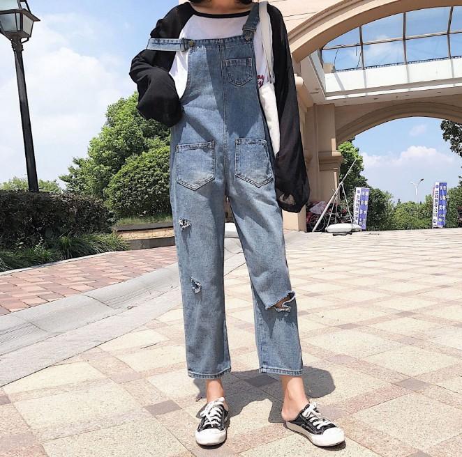 款破洞牛仔背带裤女 时尚九分牛仔背带裤批发
