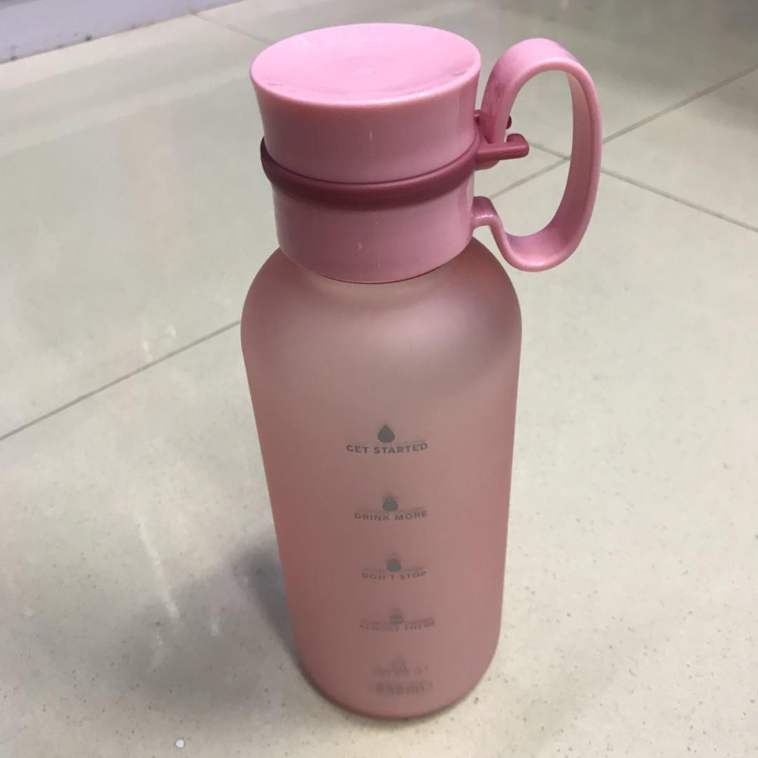 ins风嫩粉色水壶少女必备健身跑步补充水分