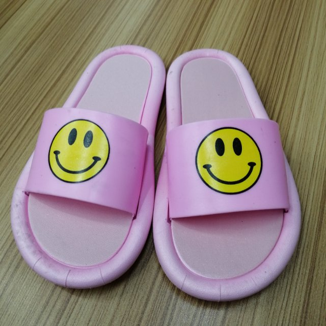 拖鞋女外穿新款夏可湿水一字时尚百搭可爱爆款凉拖鞋可批发大童成人亲子