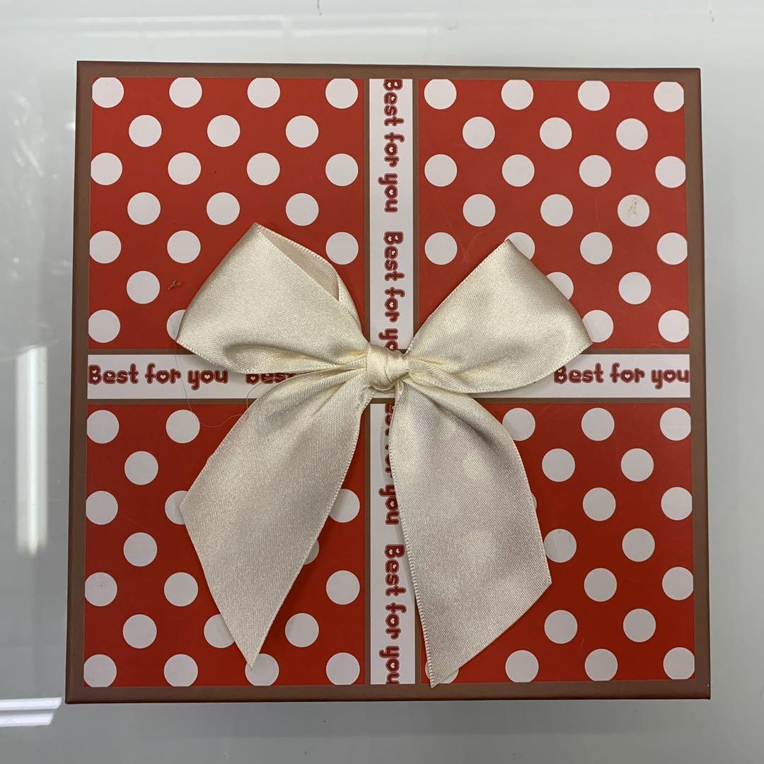 精美礼品盒蝴蝶结圆点风正方形礼盒生日礼物空盒