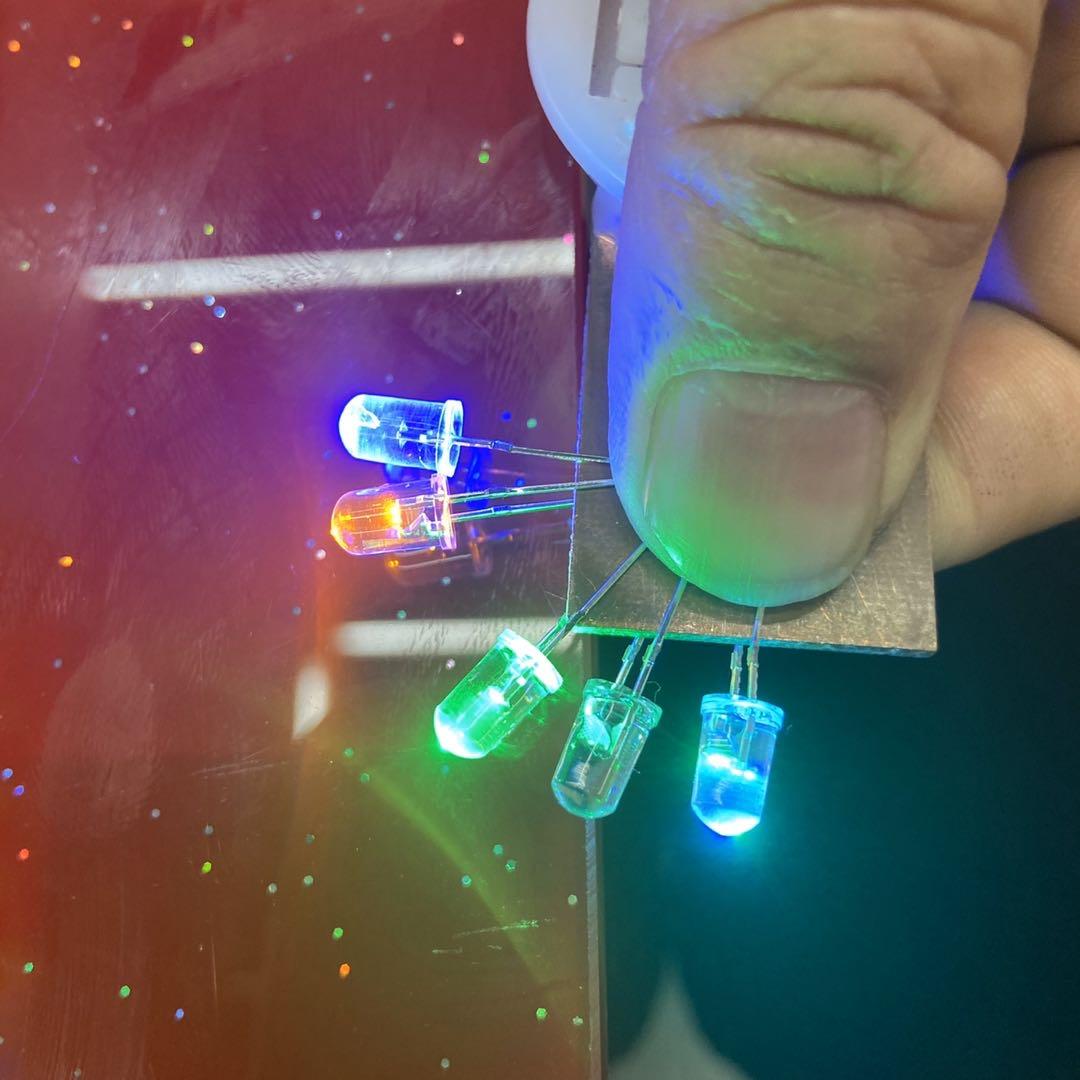 F5有边电池七彩灯闪灯LED电子灯珠装饰