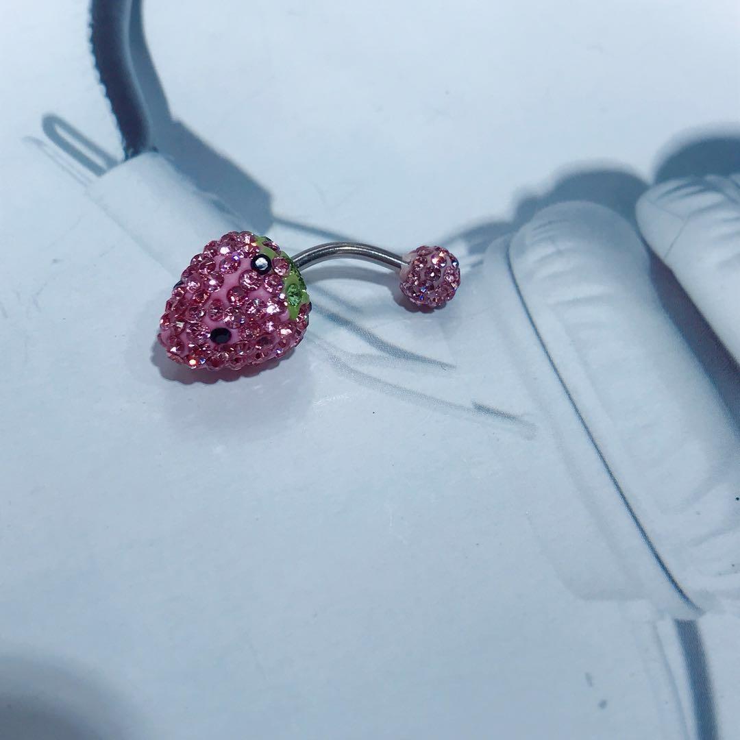 钛钢欧美性感女神肚脐眼饰品可爱甜美草莓双头钻新款肚脐钉
