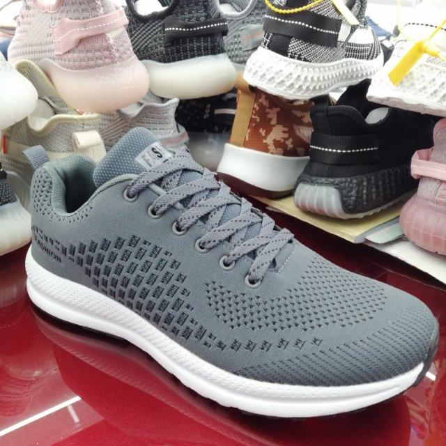 小方块新款透气男士飞织运动鞋休闲鞋防震跑步鞋