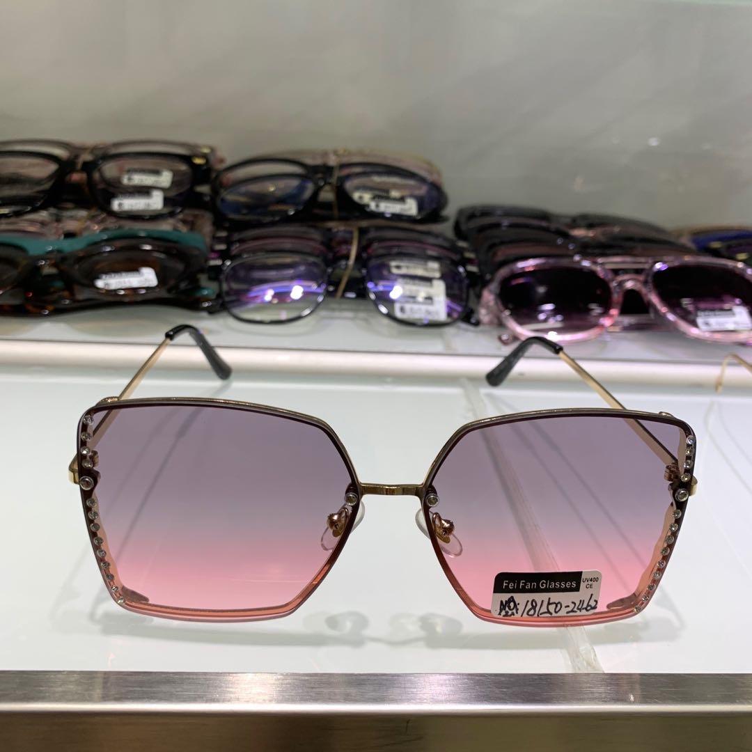 粉紫色渐变半透明镜片时尚女款太阳眼镜
