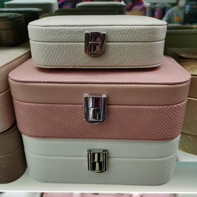 2020年新款大容量化妆包化妆品收纳包手提盒