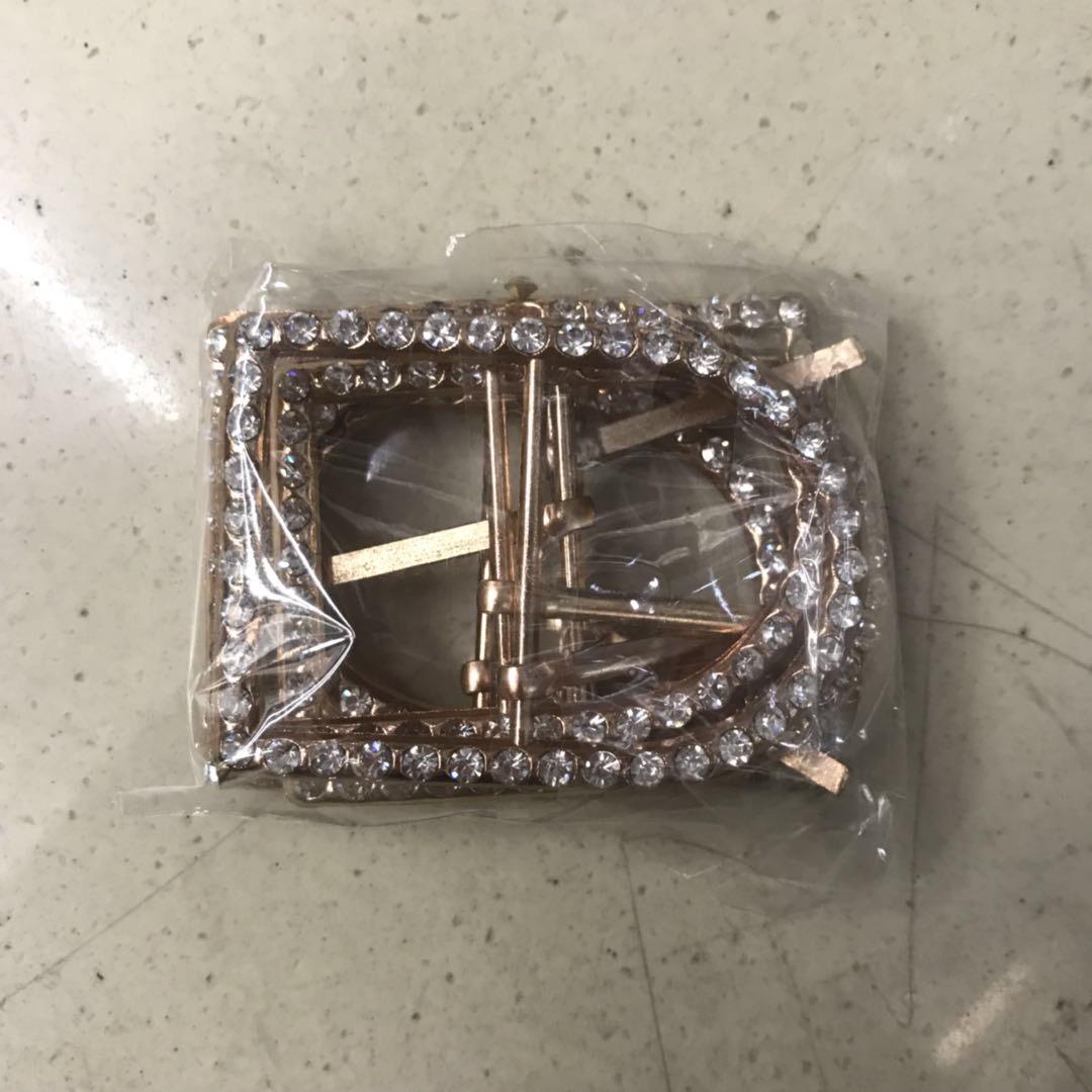 常规款金色合金带钻皮带扣装饰扣
