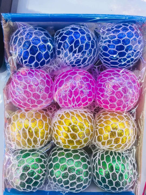 义乌好货 厂家直销新款减压球6.0厘米金粉葡萄球小飞人玩具