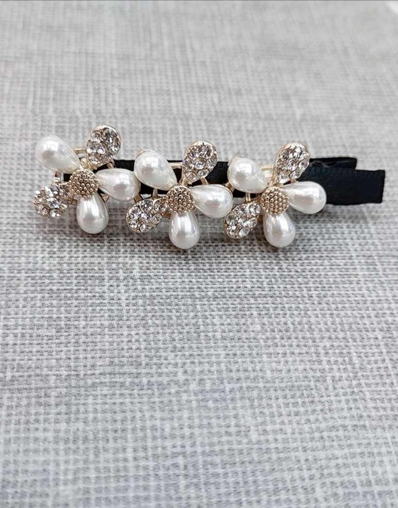 简单时尚珍珠鸭夹