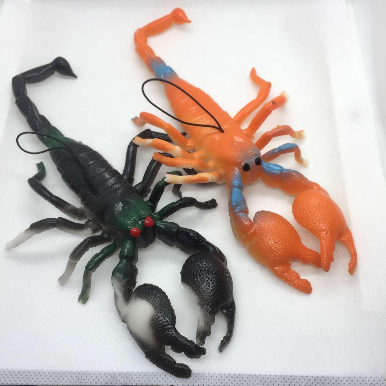 抖音热销爆款仿真动物系列网红地推夜市儿童认知玩具整蛊恐怖玩具厂家直销新款大蝎子