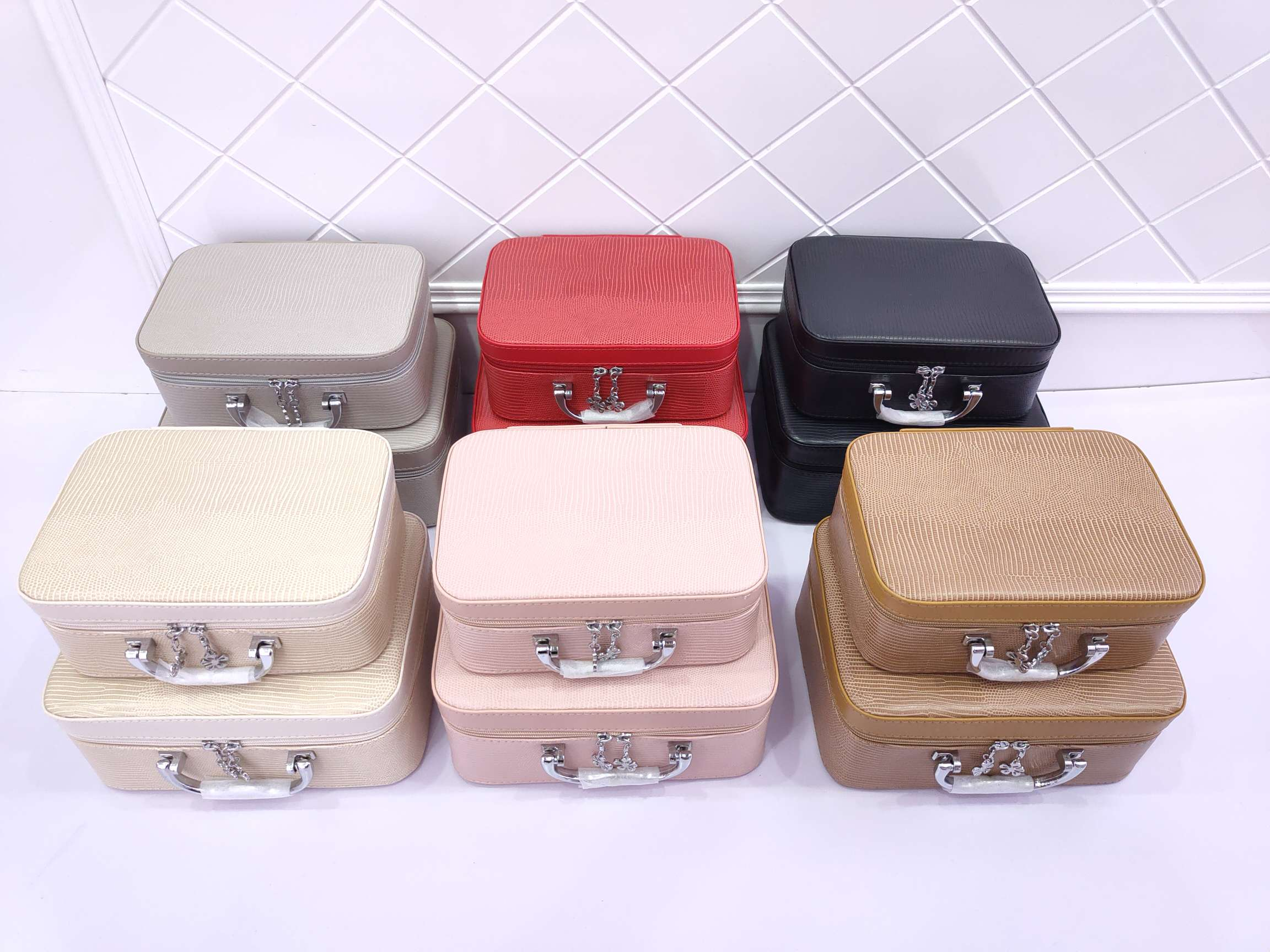 瑾奇 多功能化妆箱 厂家直销化妆品护肤品收纳盒 手提化妆盒  X8015