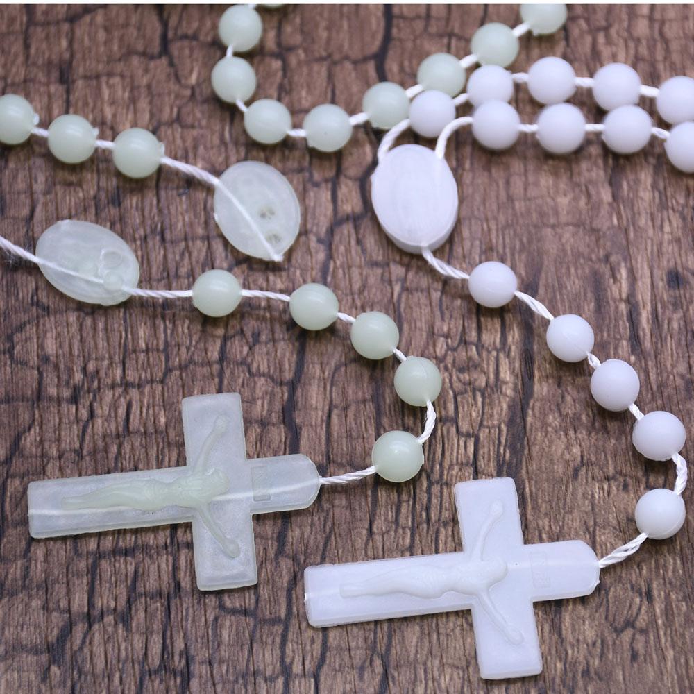 宗教教会活动赠品礼品8mm自发光夜光念珠十字架项链义乌批发