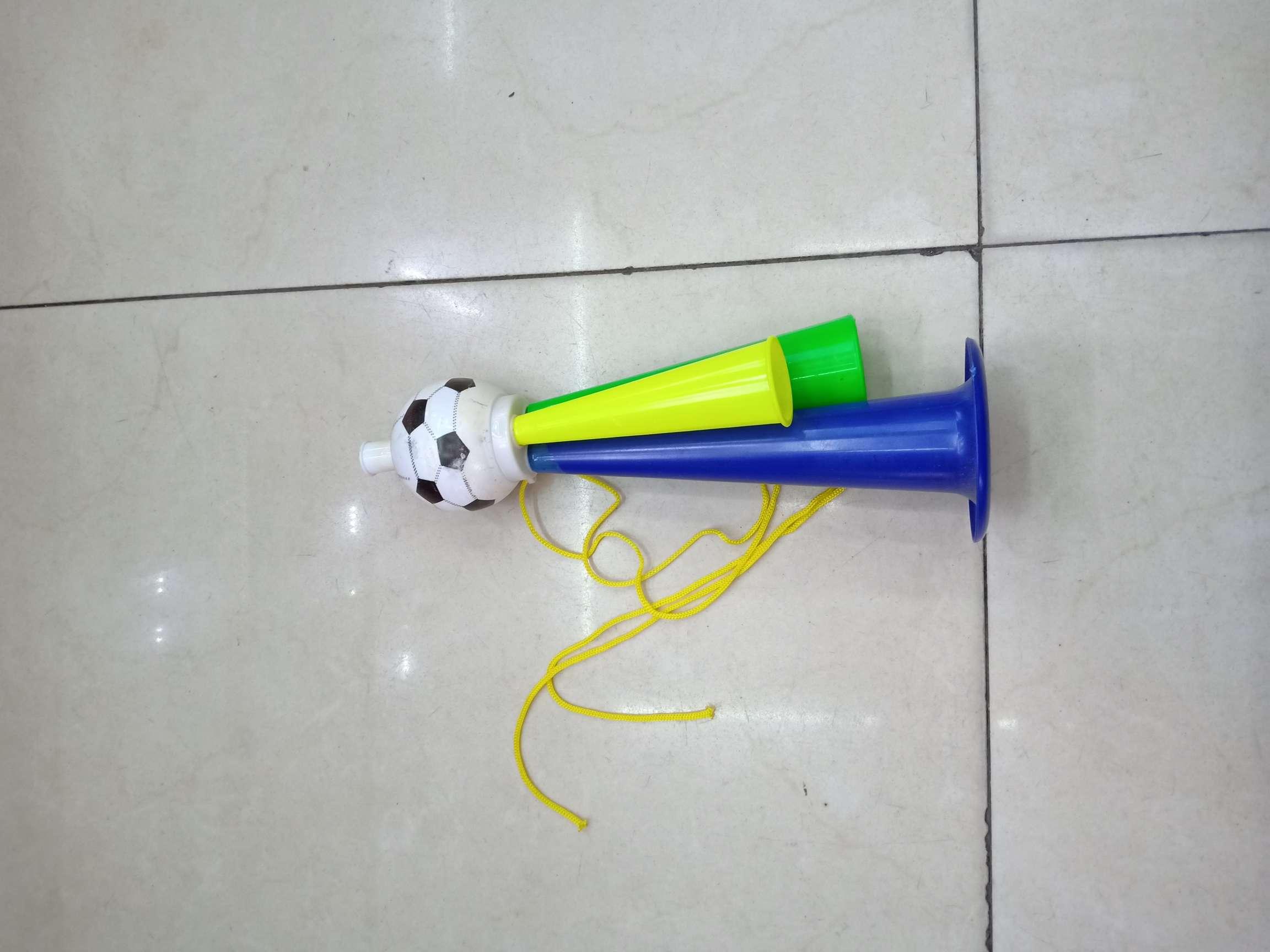大号足球喇叭
