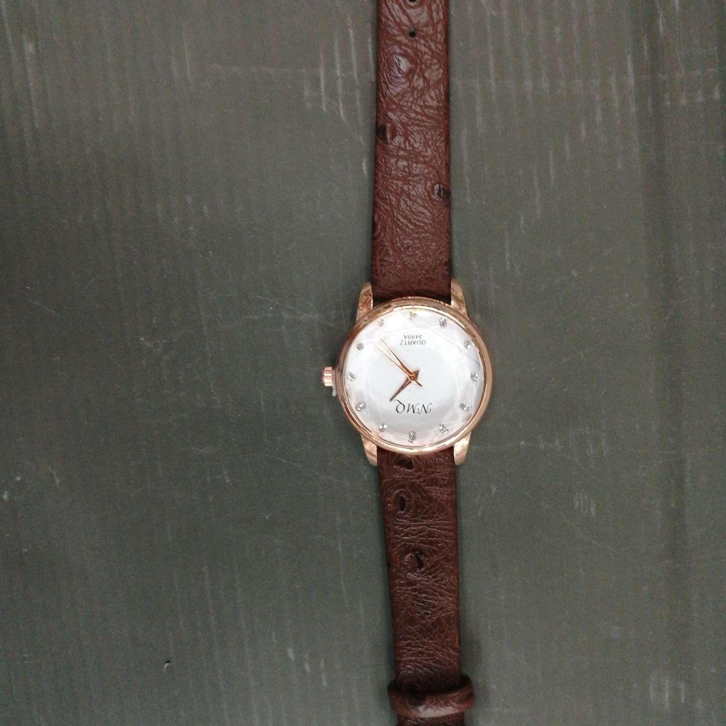 时尚学生表成人手表粽色皮带