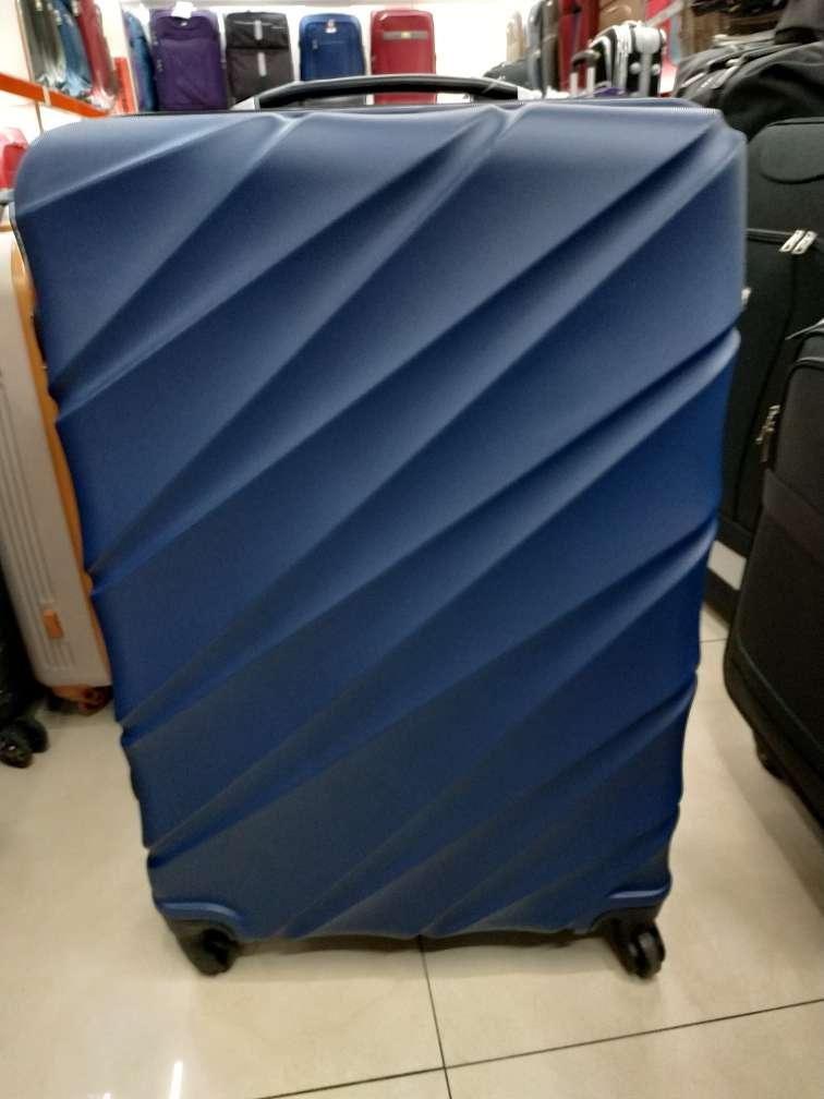 H070 三件套拉杆箱20-24-28  ABS材料