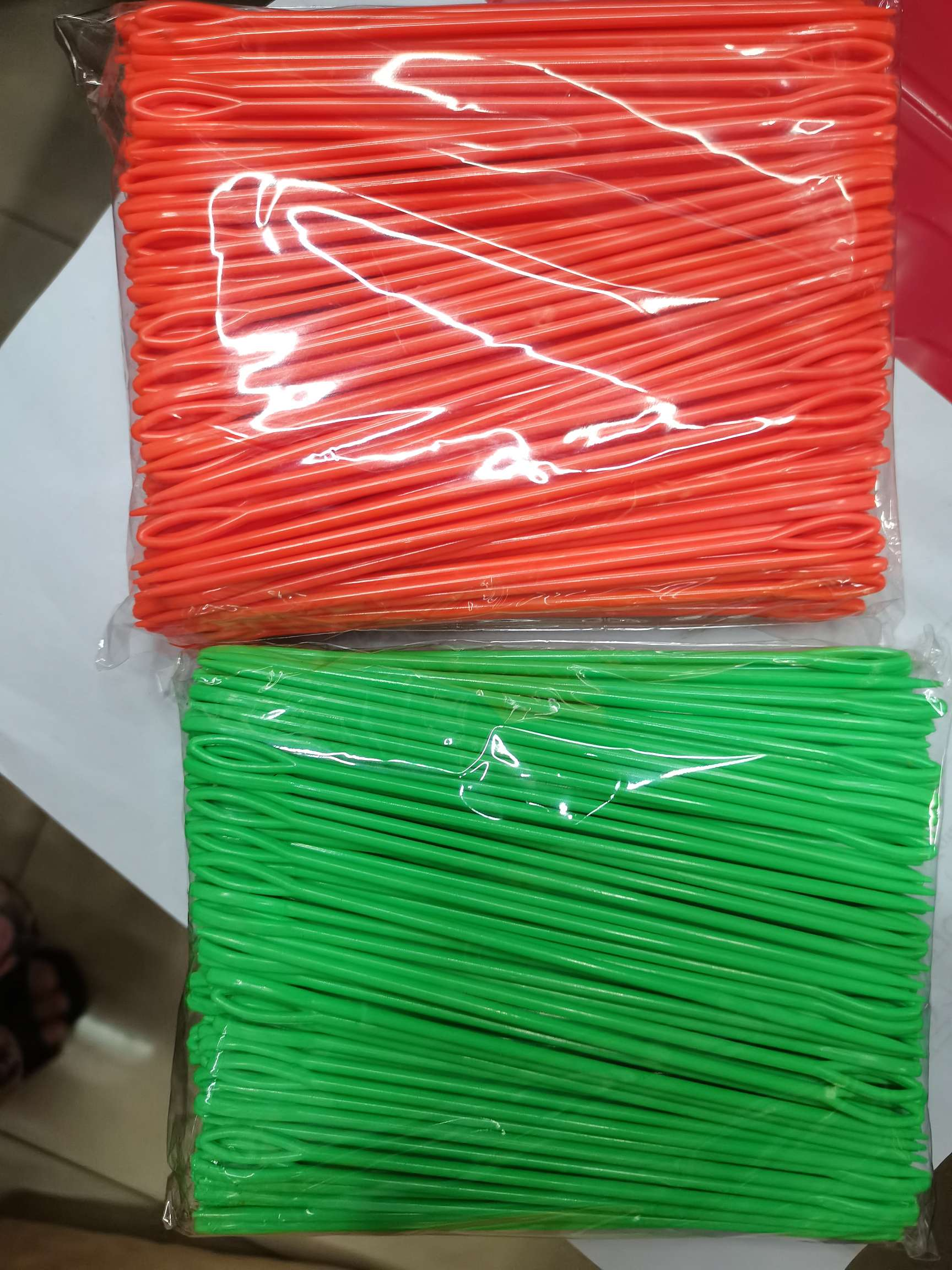 15公分塑料小针