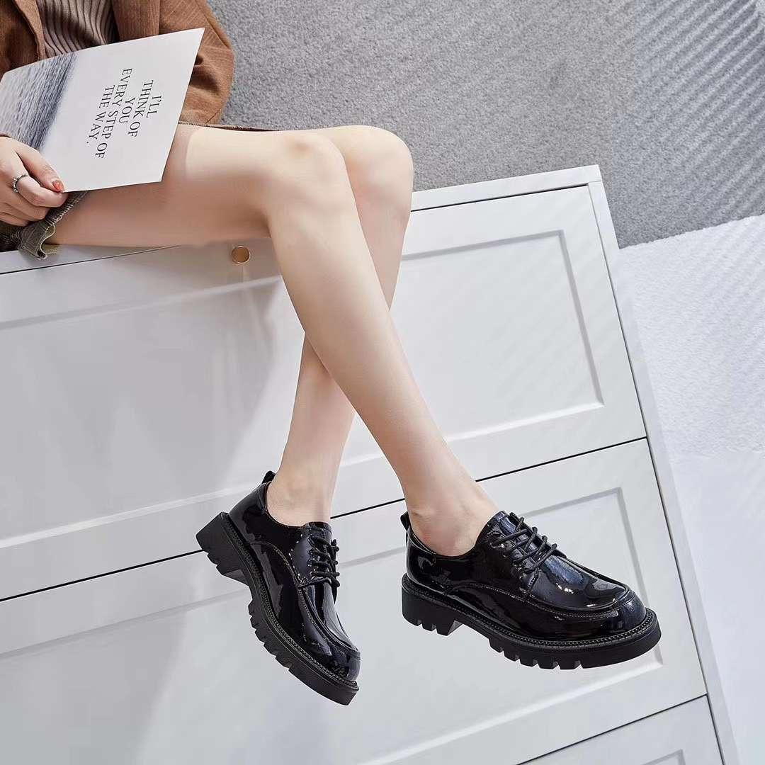 真皮女鞋66