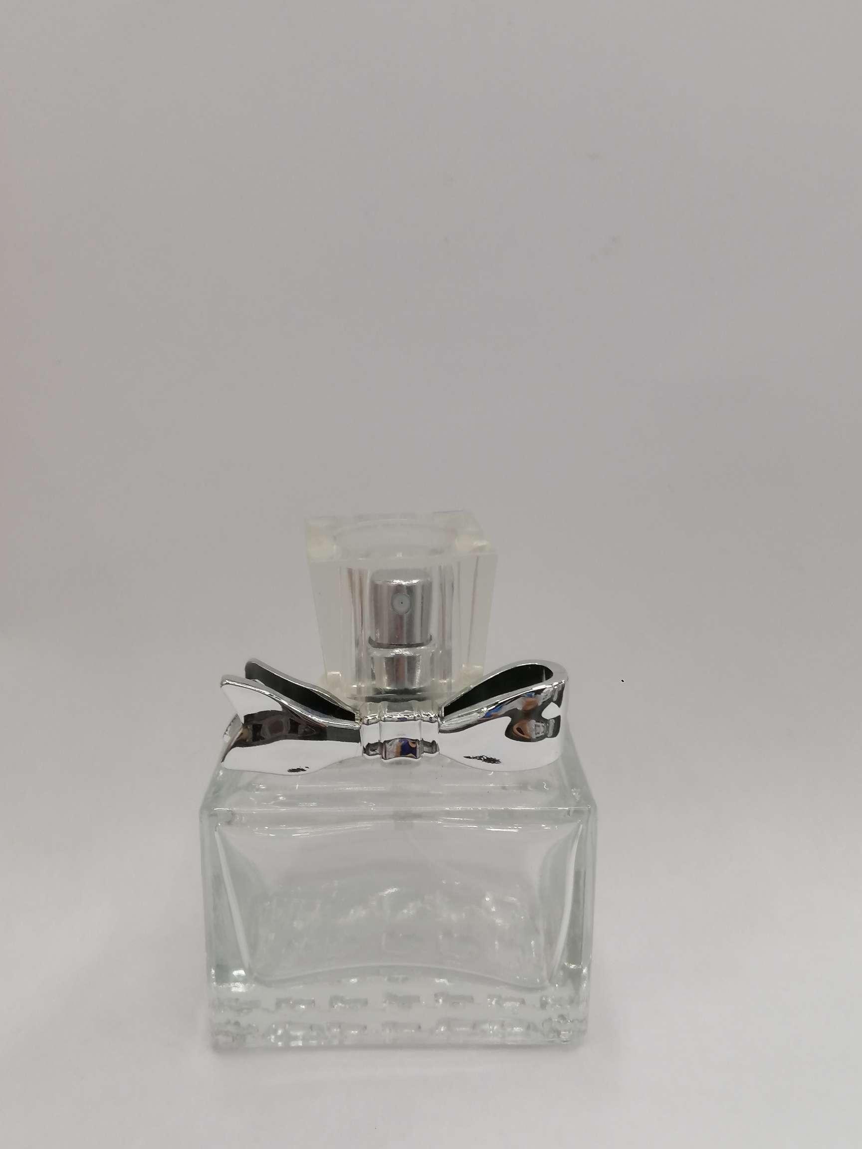 香水瓶 蝴蝶结 透明玻璃