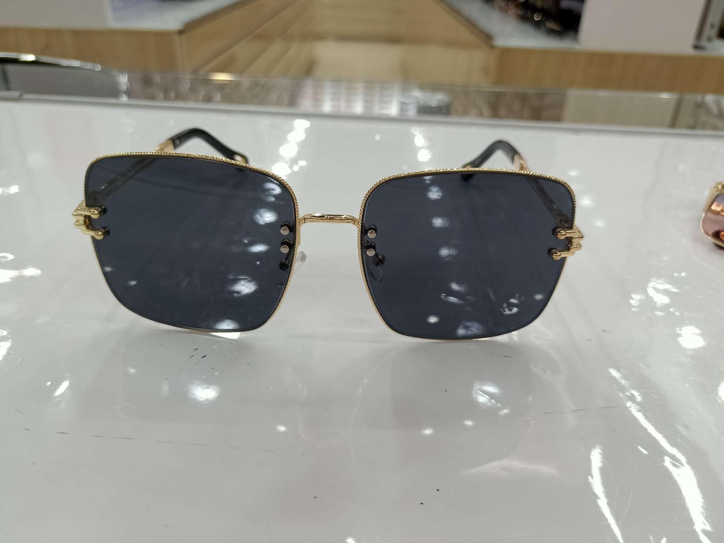 2020新款韩版金属方框太阳镜大框个性网红明星款蛤蟆镜墨镜女眼镜18026