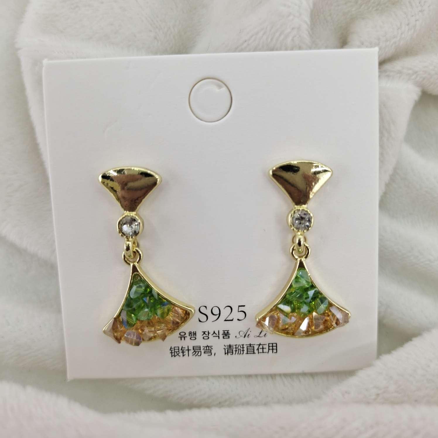 新款珍珠耳钉女小众设计感纯银小简约冷淡风森系耳饰仙女风超仙