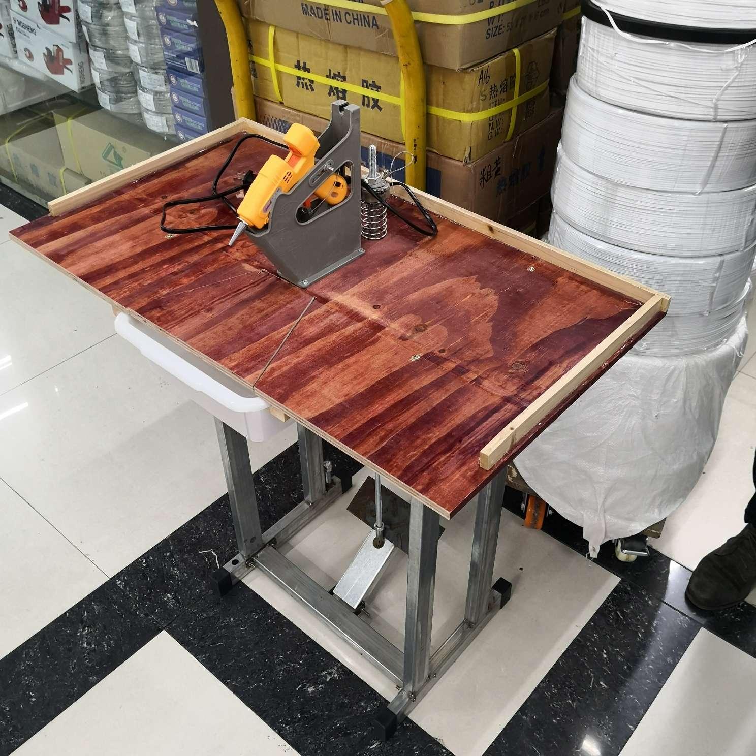 包邮热熔胶枪胶棒操作台工作台胶枪架脚踏式解放双手省时省力省心 操作方便有效提高工作效率经久耐用保修