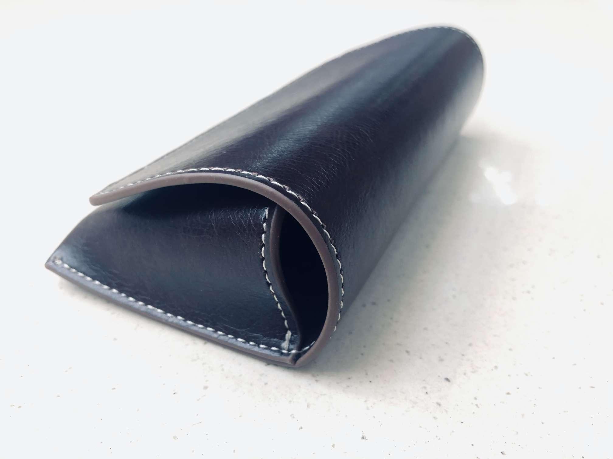 黑色亮皮翻盖磁铁踩线眼镜盒14