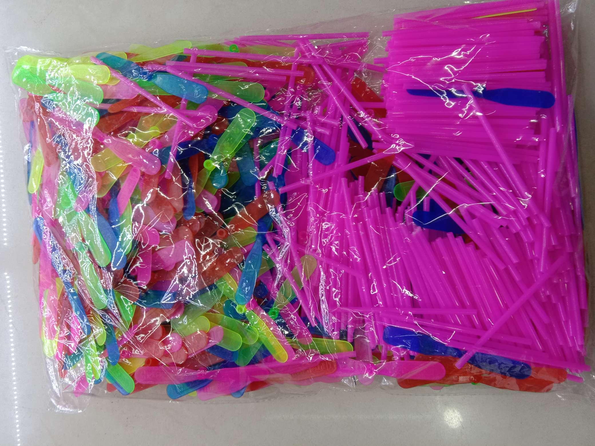 益智小号9CM竹蜻蜓手搓塑料蜻蜓飞天怀旧