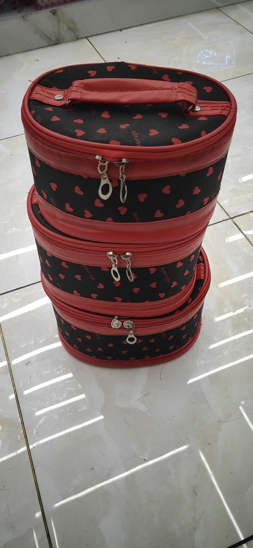 化妆包圆桶三件套