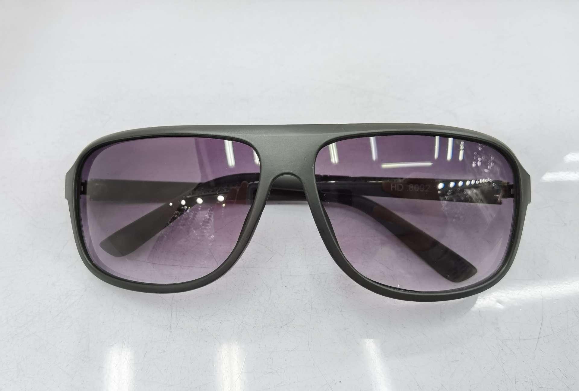 HD8092款需下单订做2020年新款金属配件脚时尚男女潮太阳镜防紫外线墨镜亮黑双灰片透明茶双茶片颜色可混装