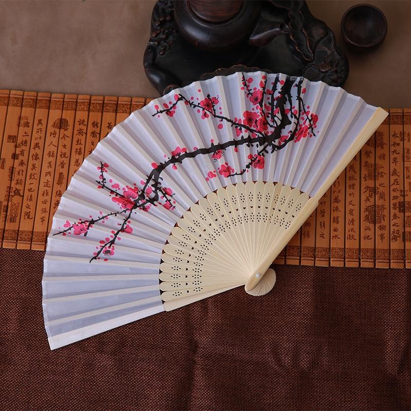 中国风水墨画梅花女式折扇 绢扇婚礼 典雅梅花丝扇子速卖通热卖扇
