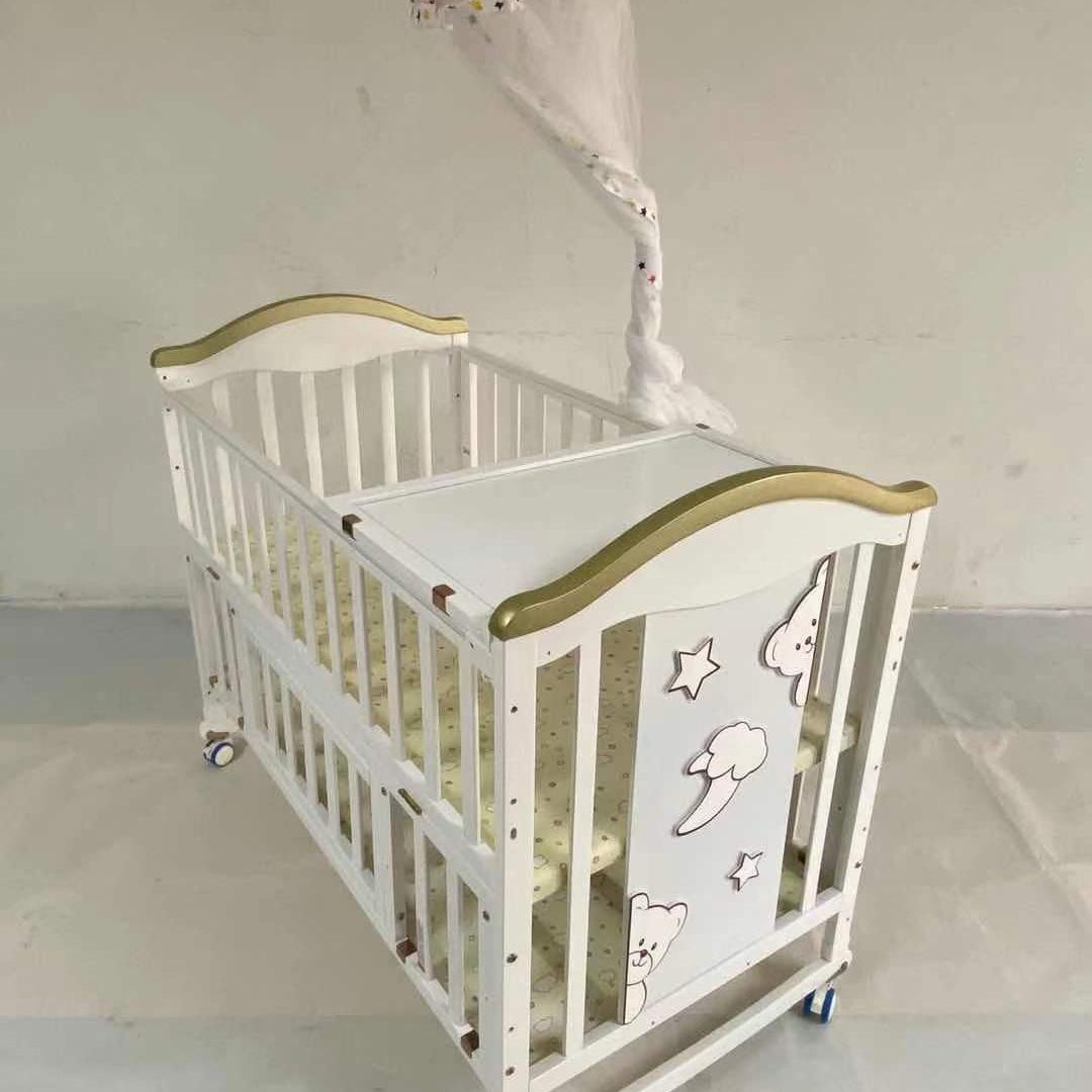 Z18  婴儿床
