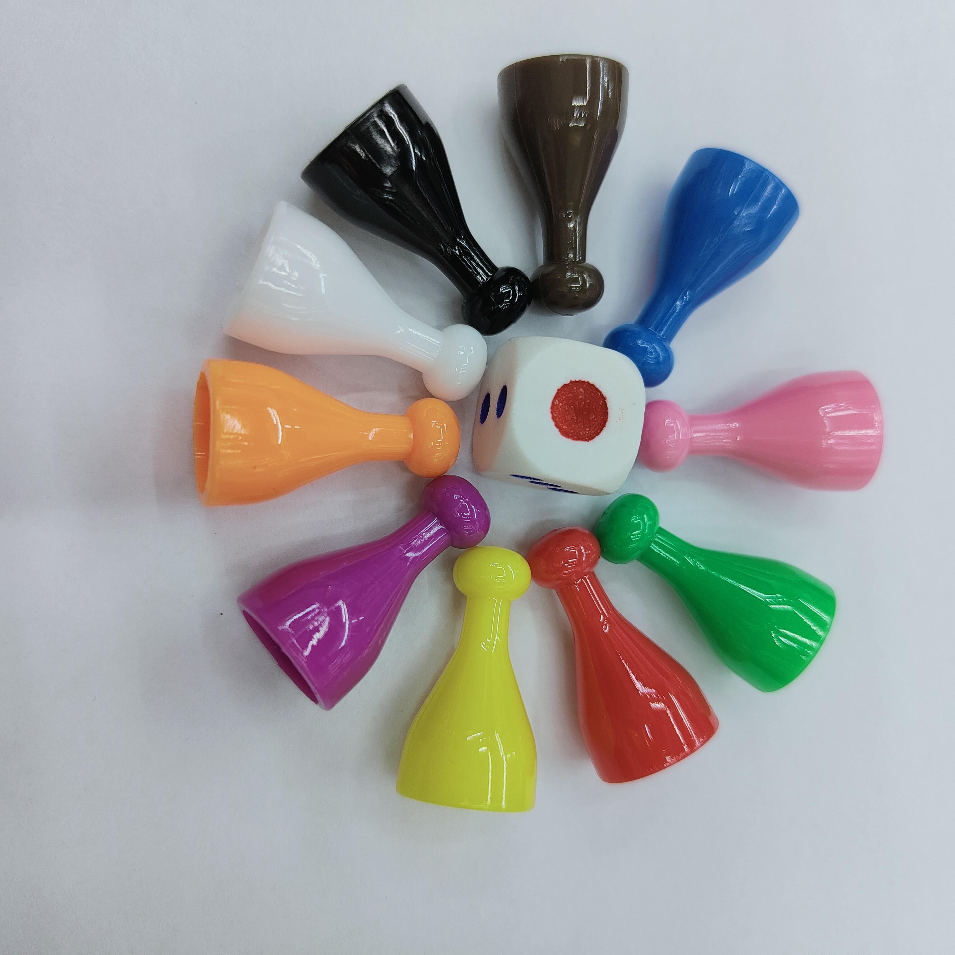 人行棋子塑料游戏配件跳棋飞行棋玩具配件塑料制品