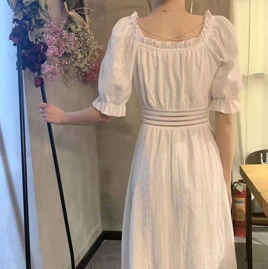 一字领钩花气质连衣裙女夏装2021新款欧货法式收腰显瘦中长款裙子女