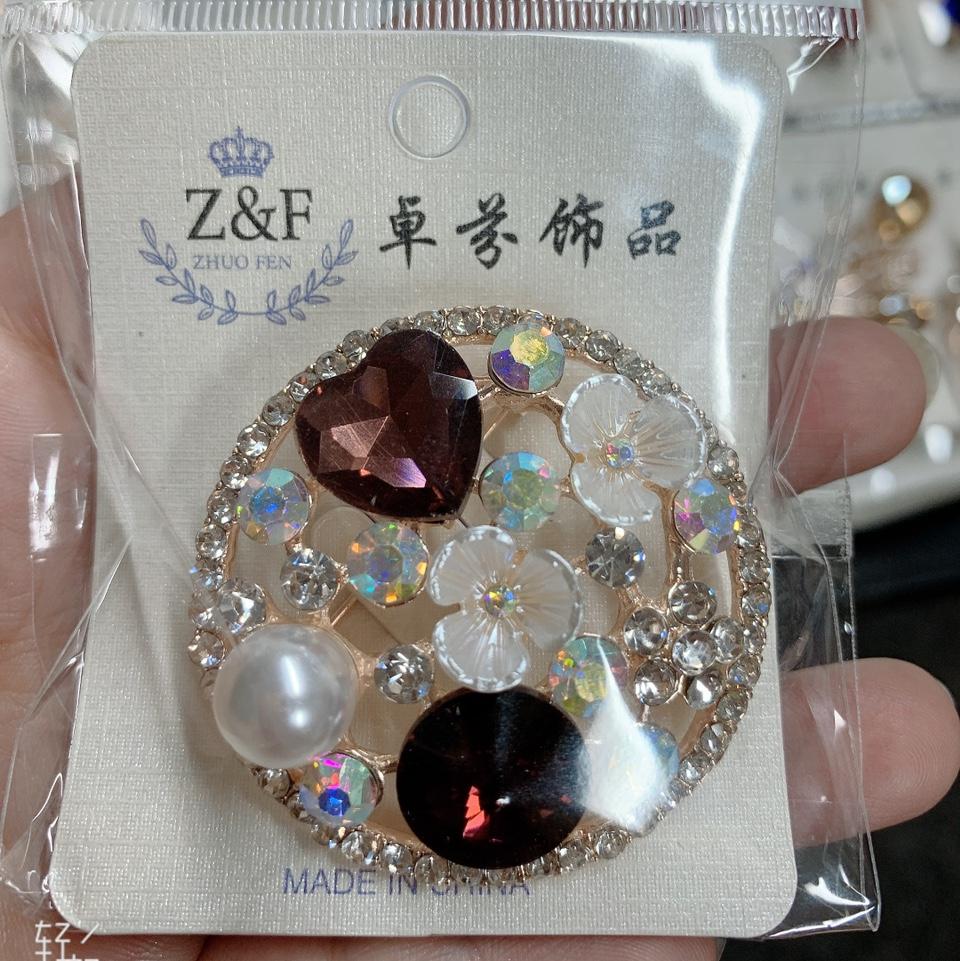 圆形贝壳胸针-6