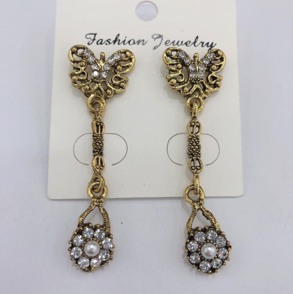 欧美复古时尚个性奢华新潮气质蝴蝶线条珍珠耳环
