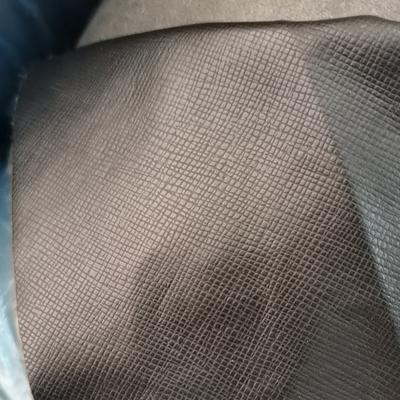 热销pu皮革水刺底十字纹