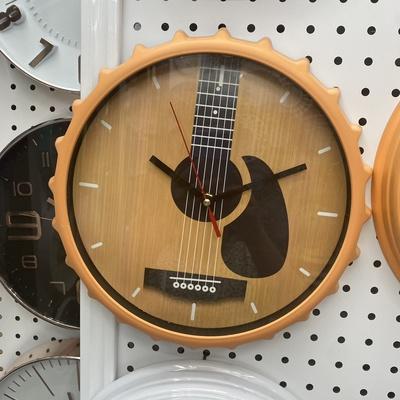 义乌建新钟表18518店啤酒盖个性吉他钟表