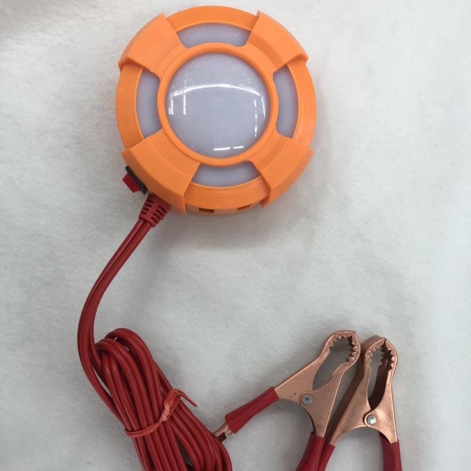 新款热销带灯8USB直流12V 24v2A夹电瓶手机充电器摩托车夹子充