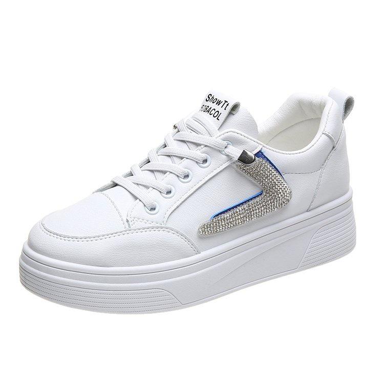 板鞋女2021新款平底软底软面舒适一脚蹬真皮休闲夏季薄款小白鞋