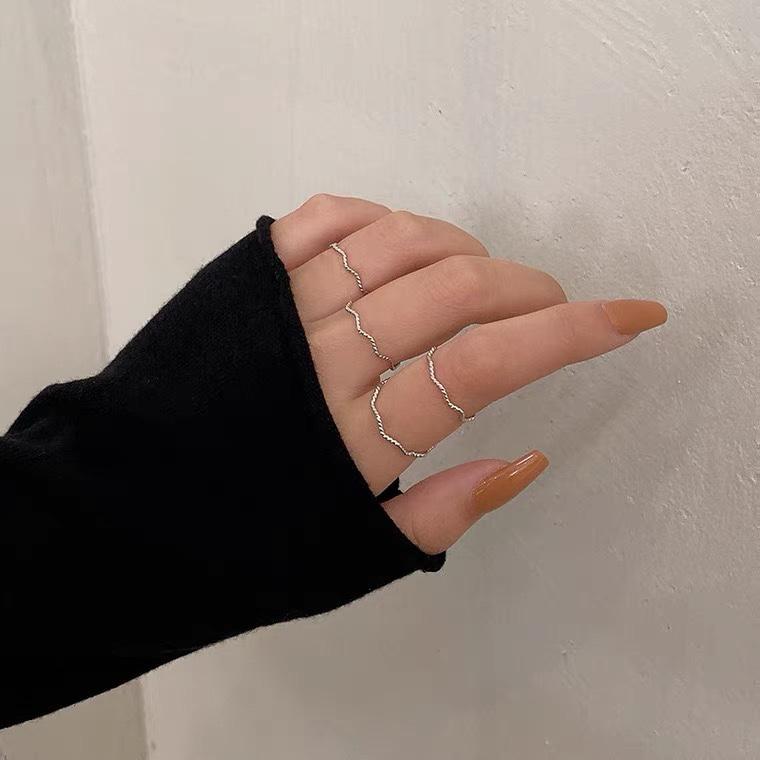 时尚潮流波浪细圈组合套装素圈食指戒指女ins潮小众设计简约轻奢小指尾戒