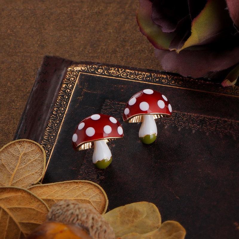 森系童话ins少女心耳环S925银针蘑菇小耳钉时尚耳饰时尚滴油耳饰