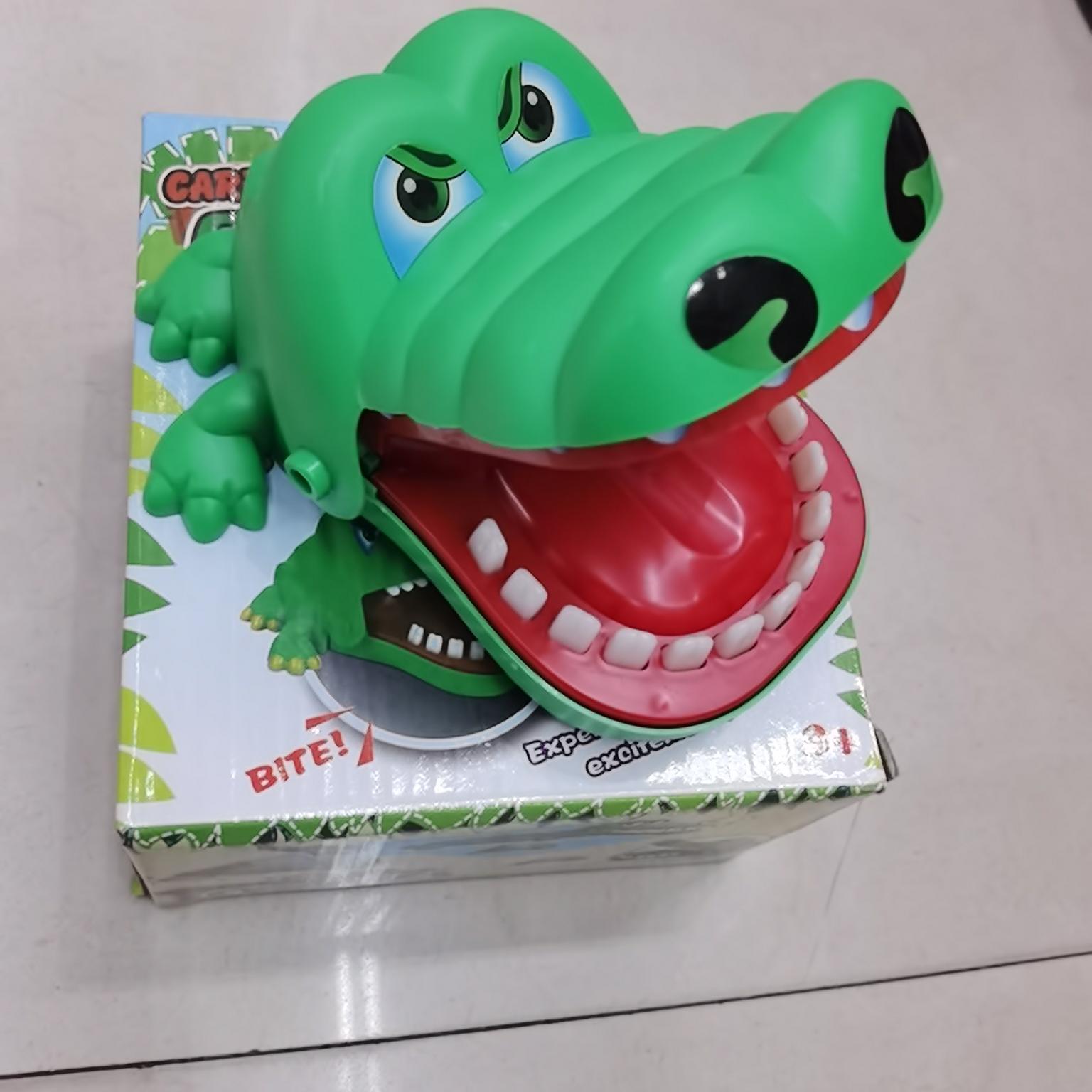 咬手鳄鱼玩具