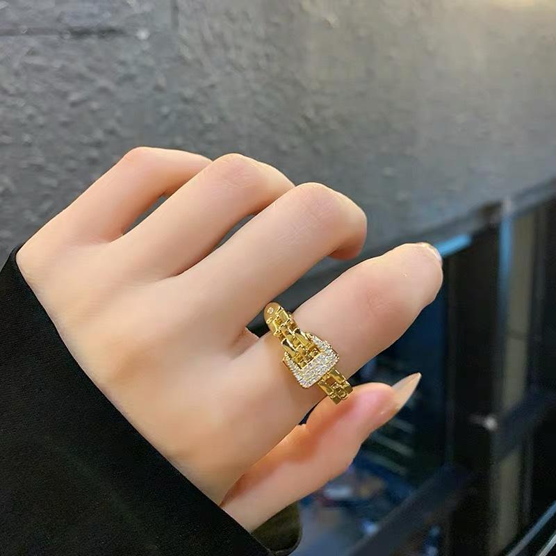 圣.纳黛丽微镶满钻戒指上手效果超级棒仙女夏天必备搭配单品