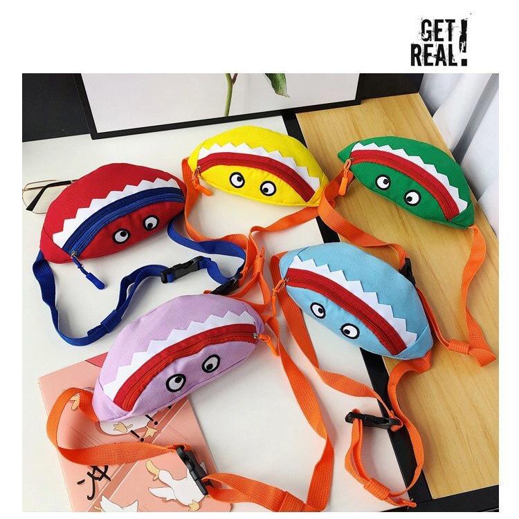 新款卡通韩版儿童胸包帆布绣花宝宝斜挎包鲨鱼儿童笑脸腰包
