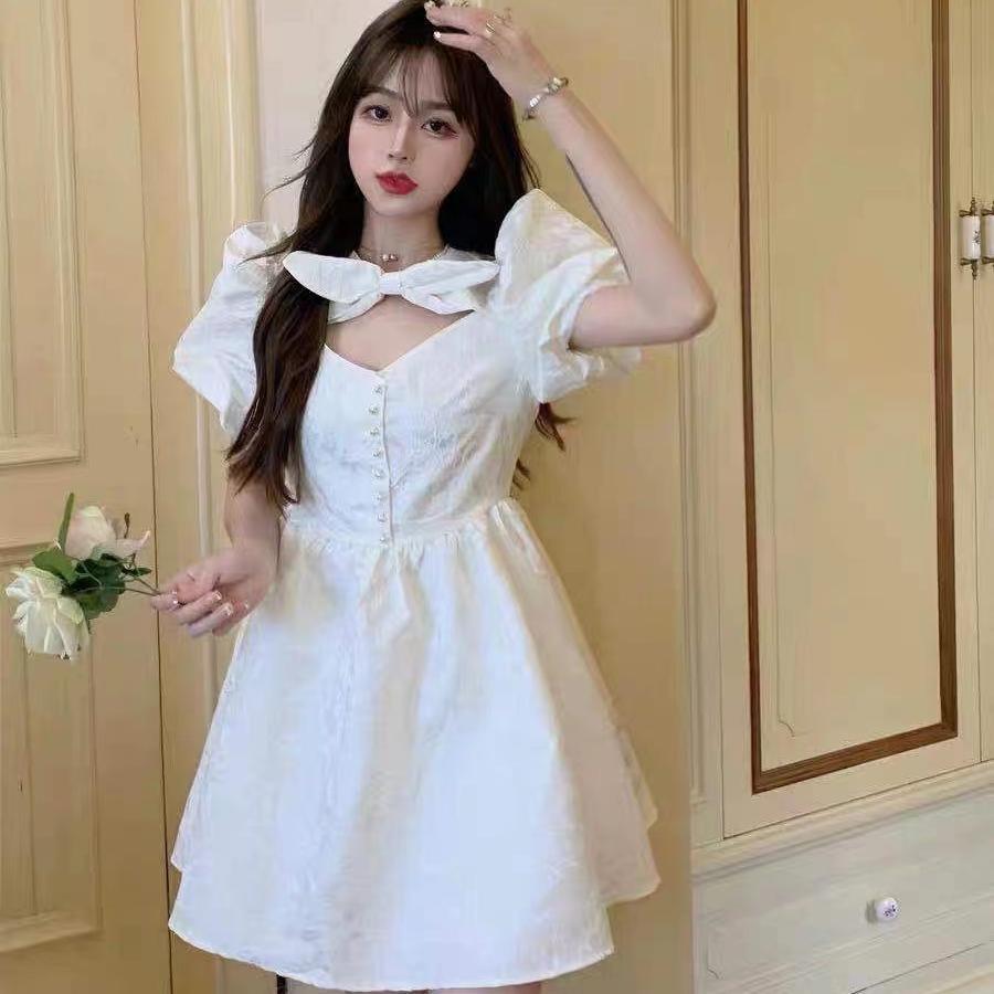 气质女神白色连衣裙