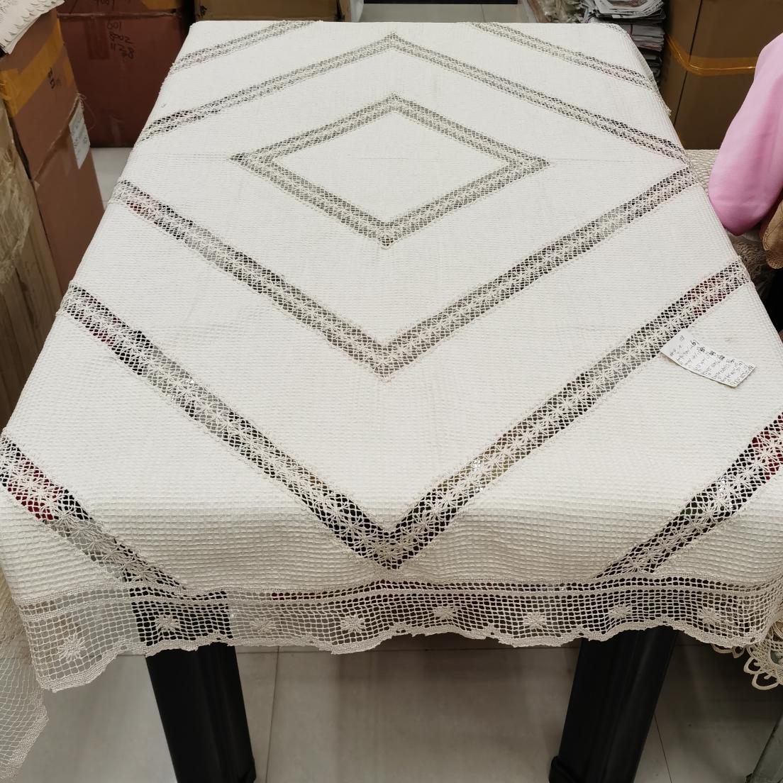 手工经典工艺桌布、多个尺寸可以选择。