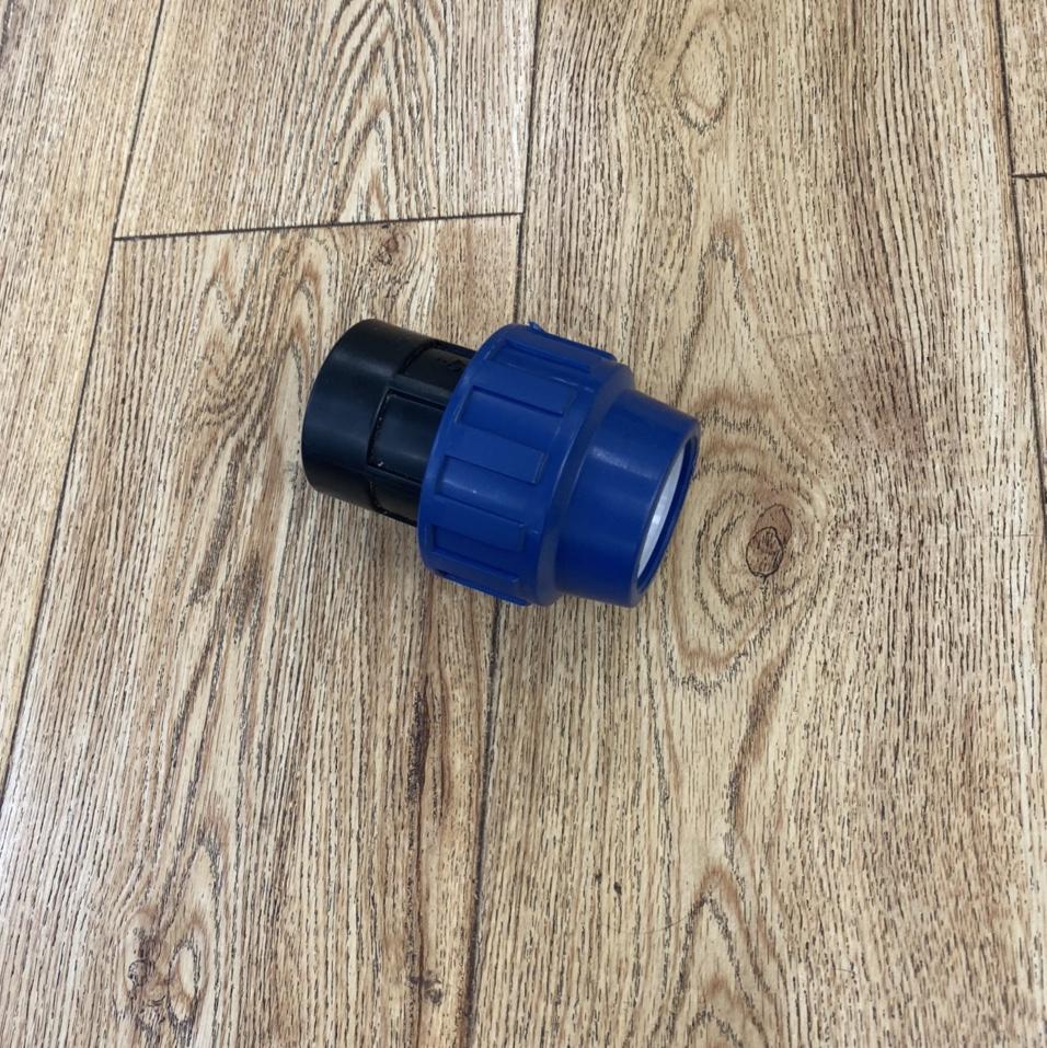 塑料接头内螺纹连接