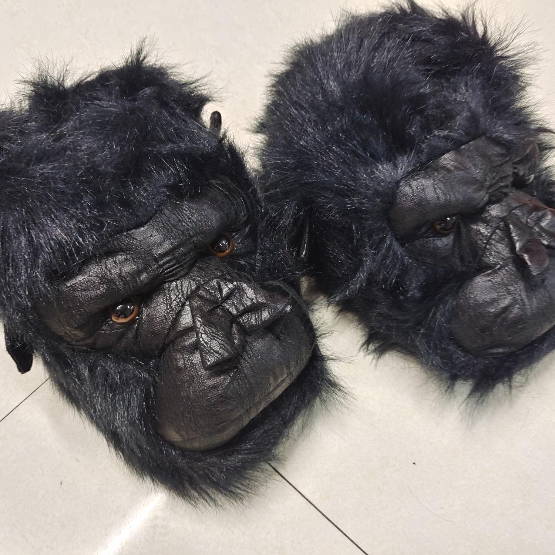 黑皮猩猩毛绒玩具拖鞋