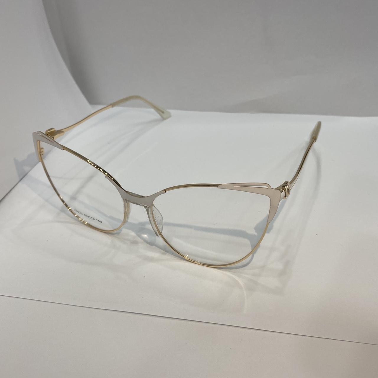 眼镜女款金属白色 多色可选Female glasses metallic white multicolor option