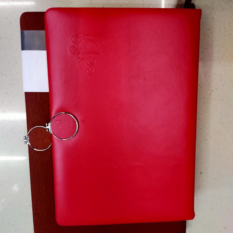 A5贴芯带扣笔记本