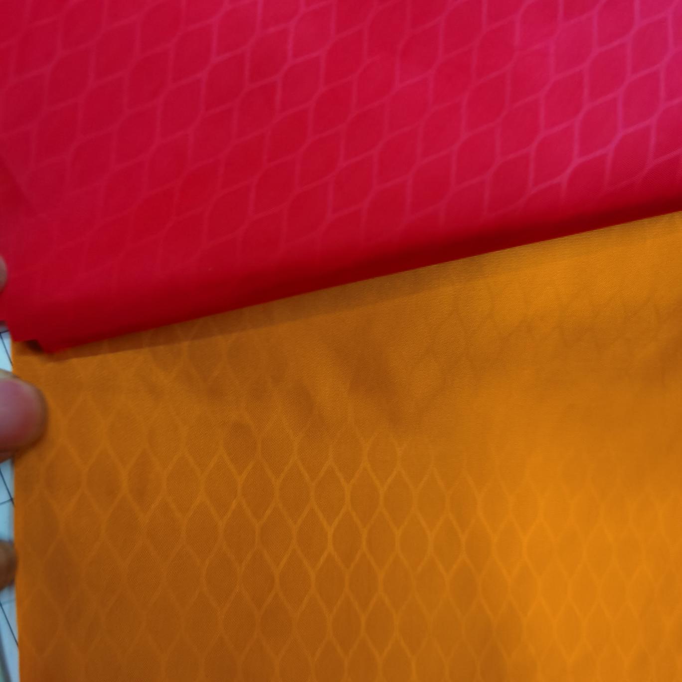 厂家直销300T涤塔夫防水餐桌布餐桌垫 防水记忆布 箱包面料 桃皮绒面料复合